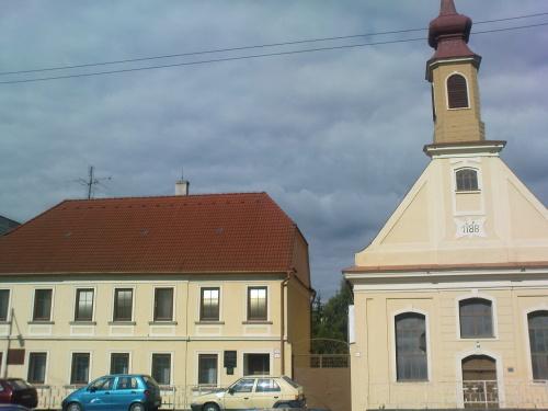Ev. tolerančný kostol a fara v Holíči