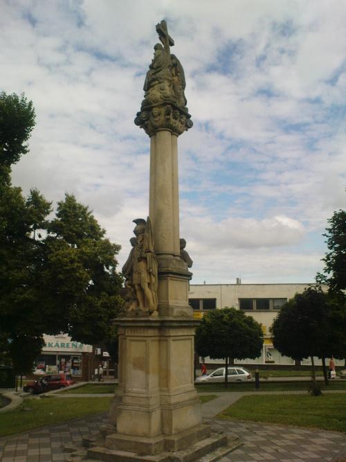 Trojičný stĺp, Holíč