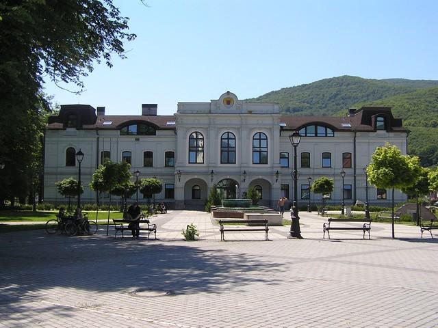 REVÚCA - Mestský hostinec, v súčasnosti administratívna budova