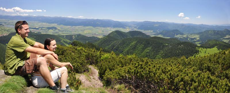 Panorama z Choča na prírodné okolie mesta Ružomberok