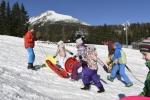 pozrite_si_strbske_pleso_pokryte_prirodnym_snehom