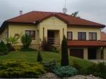 Veľké Chlievany - Farský úrad RKC